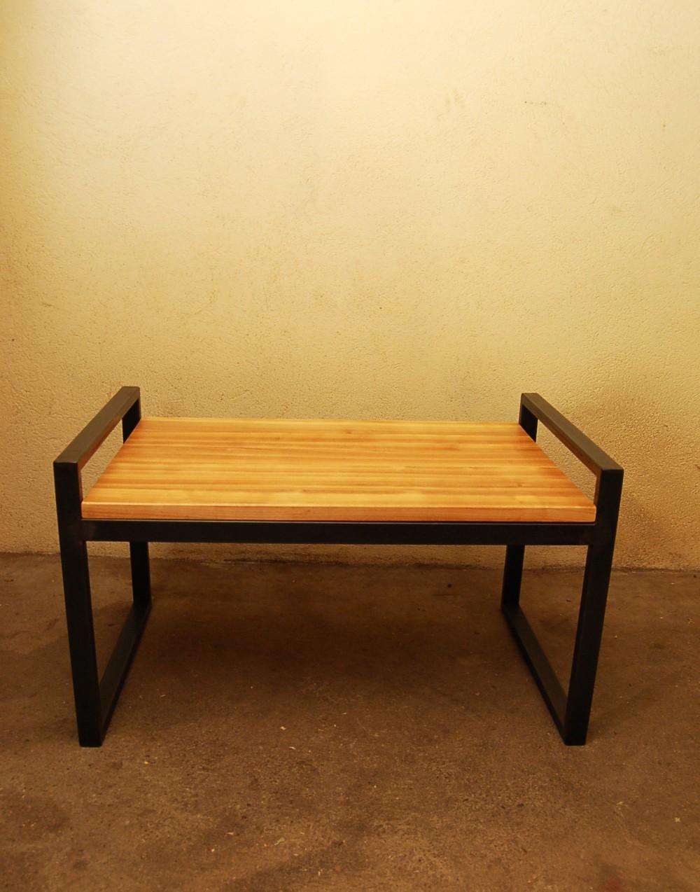 C ation meuble contemporain uzes gard tables basses design desserte design acier patin for Copie de meubles design