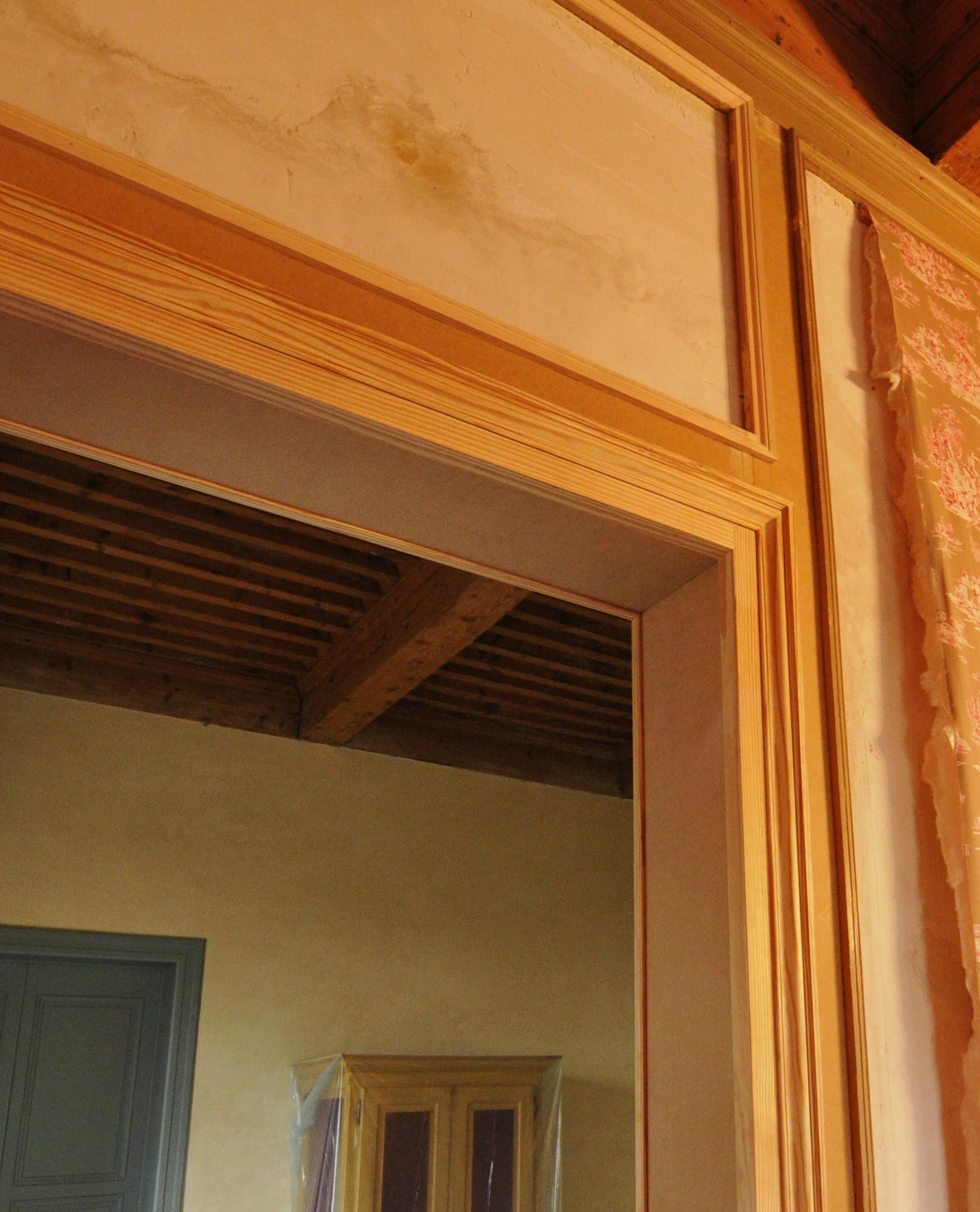 D tail des moulures for Chambranle de la porte
