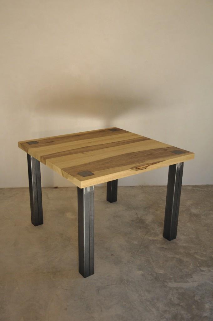 table fraké et métal